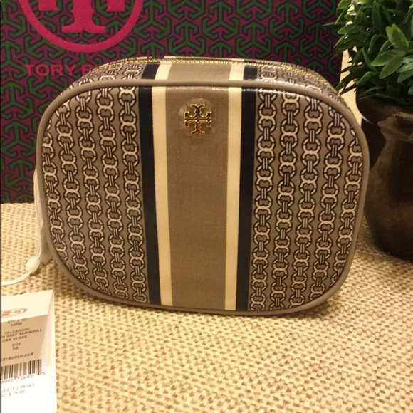 4ac52468f139 TORY BURCH French Gray Gemini Link Cosmetic Case